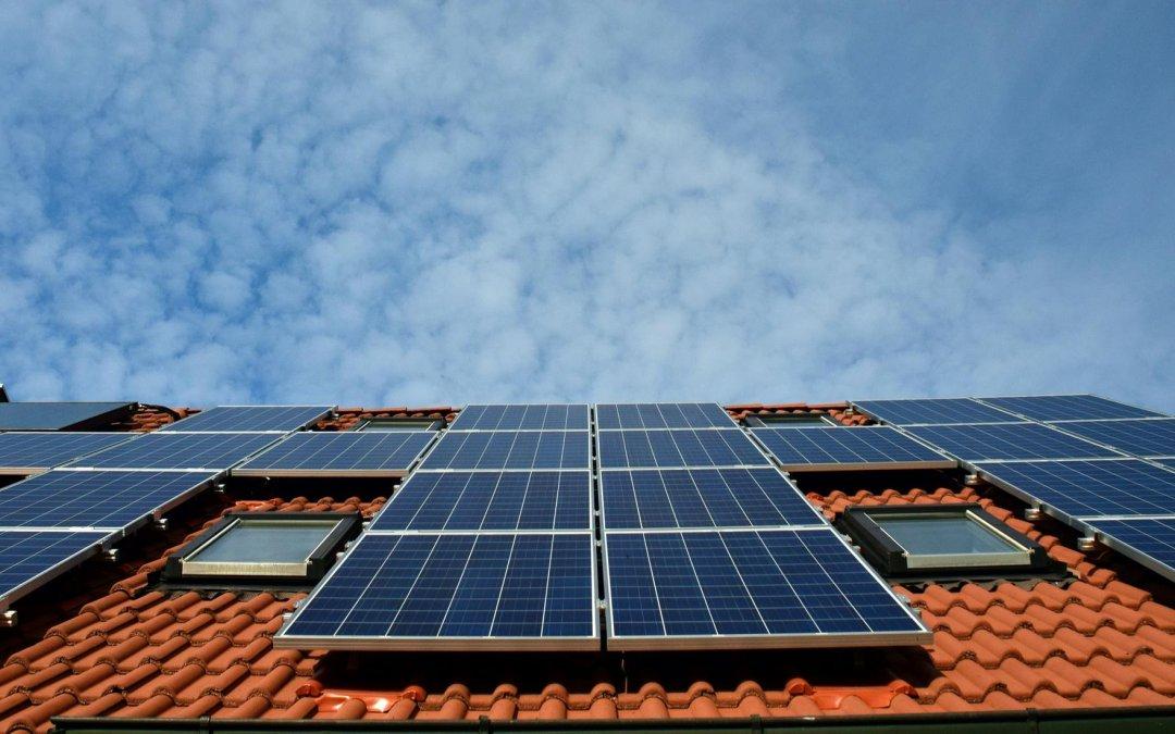Energia solar: projeto que proíbe taxação terá urgência, diz Bolsonaro